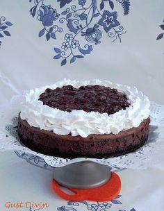 .: Cheescake Padurea Neagra My Recipes, Cake Recipes, Dessert Recipes, Torte Cake, Homemade Sweets, Chocolate Cheesecake, Food Cakes, Black Forest, Food And Drink