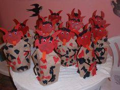 Čertiska Advent, San Antoni, Diy For Kids, Crafts For Kids, Christmas Crafts, Christmas Tree, Saint Nicholas, Bowser, Devil