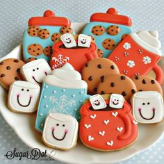 A cookie decorating diary. How to decorate sugar cookies with royal icing. Mug Sugar Cookie, Fancy Sugar Cookies, Sugar Cookie Royal Icing, Honey Cookies, Cocoa Cookies, Christmas Sugar Cookies, Iced Cookies, Fun Cookies, Holiday Cookies