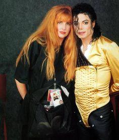 MJ with his makeup artists, Karen Faye, Dangerous tour