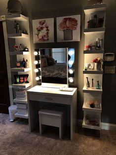 Makeup vanity - superhairmodels com/dekor Makeup vanity Cute Bedroom Ideas, Cute Room Decor, Girl Bedroom Designs, Teen Room Decor, Room Ideas Bedroom, Bedroom Decor, Teen Bedroom, Mirrored Bedroom Furniture, Makeup Room Decor