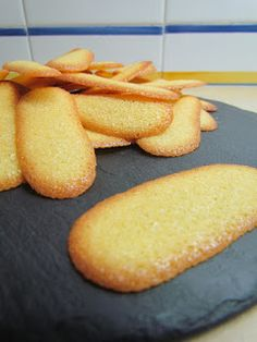 Biscuit Cookies, Yummy Cookies, Cookie Recipes, Dessert Recipes, Delicious Desserts, Yummy Food, Cooking Cookies, Kinds Of Desserts, Portuguese Recipes