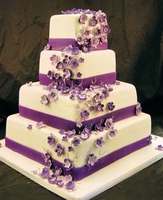 square wedding cakes purple flowers with fewer flowers and pearl trim garden modern 20409