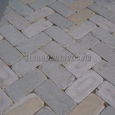 Bluestone tumbled pavers