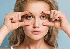 Kak za 5 minut v den podniat navisseje veko bez plastiki. Yoga Facial, Face Yoga, Beauty Skin, Health And Beauty, Hair Beauty, Beauty Advice, Beauty Hacks, Face Care, Skin Care