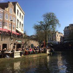 8 april 2017 - Curiosa- en verzamelaarsbeurs in de Jaarbeurs in Utrecht. Als je het hier niet kunt kopen, bestaat het niet. Natuurlijk ook nog even uitrusten aan de Oude Gracht.