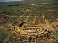Roman Heritage in Algeria - Page 2 - SkyscraperCity Ancient Ruins, Ancient Rome, French Buildings, Voyage Rome, Roman Theatre, Site Archéologique, Roman City, Roman Era, Roman Architecture