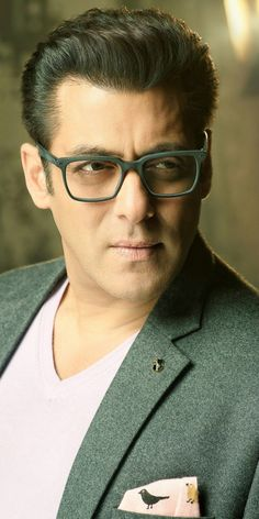 Salman Khan attitude pictures collection & handsome look Sultan Salman Khan, Imran Khan, Shahrukh Khan, Francisco Lachowski, Jay Ryan, Bollywood Stars, Bollywood Images, Akshay Kumar, Boys Over Flowers