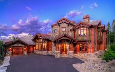 Traumhaus - Dream house inside & outside Wow.what a geat looking home! Mountain Home Exterior, Mountain Homes, Style At Home, Log Cabin Homes, Log Cabins, House Goals, Simple House, Home Fashion, Nail Fashion