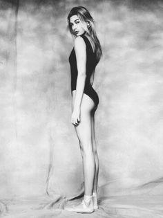 Hailey Baldwin - those LEGS