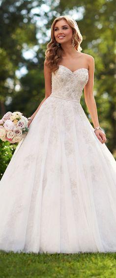 Stella York Fall 2015 Wedding Dress - Belle The Magazine