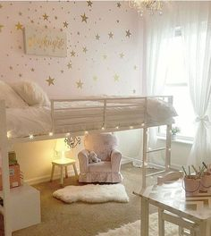 Such a pretty little girls room.