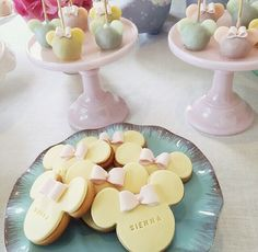 minnie mouse cookies (c/o @adrianalima)