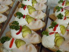 Czech Recipes, Ethnic Recipes, Taste Buds, Finger Foods, Sushi, Panna Cotta, Recipies, Homemade, Czech Food