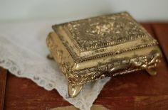antique, jewelry box, pretty, vintage - image #344310 on Favim.com