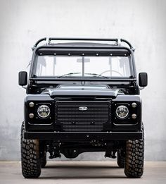 From their workshop in Lisbon, Portugal, Cool and Vintage painstakingly restore Land Rovers with an obsession for detail and a commitment to the essentials. Their latest masterpiece is this blacked-out Defender from 1983 and now available for purchas Jeep Scout, Land Defender, Land Rover Series 3, Overland Truck, Bmw M1, Bike Builder, Four Wheel Drive, Range Rover, Custom Bikes