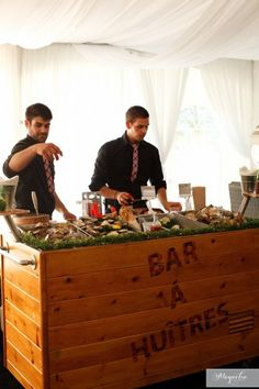 Love the idea of having a raw oyster bar!!
