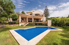 4-bed-Detached Villa for Sale in El Rosario