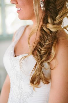 a fishtail #braid for the Bride #hair #inspiration Photography: Laura Goldenberger - www.lauraphotographs.com