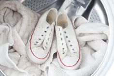 Wash stains on Tennis shoes. Get grease out of Tennis shoes. Tips to wash Tennis shoes. Methods to wash Tennis shoes. How To Wash Converse, How To Wash Sneakers, How To Clean White Converse, How To Wash Shoes, White Converse Shoes, White Tennis Shoes, White Sneakers, Converse Style, Washing Shoes In Washer