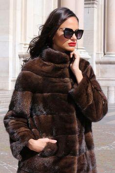 GIACCA VISONE FUR COAT PELLICCIA PELZMANTEL JACKET NERZ  MINK FOURRURE MEX норки Fur Coat Outfit, Fur Casual, Cristian Dior, Vintage Fur, Retro Vintage, Fur Fashion, Style Fashion, Mink Fur, Mode Style