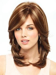 Shoulder length layered haircuts 2017 Source by saadetdinckurt Short Length Haircuts, Layered Haircuts Shoulder Length, Medium Length Hair Cuts With Layers, Medium Hair Cuts, Monofilament Wigs, Shoulder Hair, Hair Pieces, Hair Lengths, Short Hair Styles