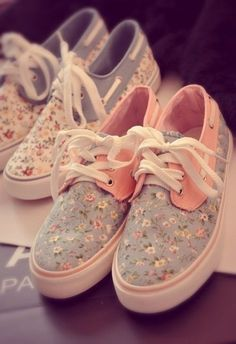 floral sneakers.. please.. dear mother... please get me one