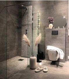 Best modern interior design ideas, modern home decor tips Home Interior, Modern Interior Design, Interior Styling, Bathroom Interior, Inspire Me Home Decor, Home Decor Shops, Home Decor Items, Decorating Your Home, Interior Decorating