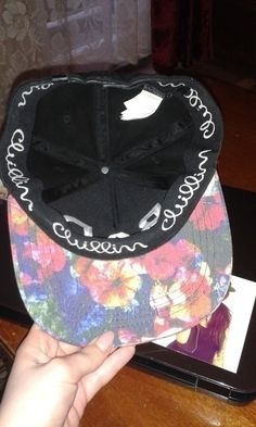 Full cap BAD Cropp (flower) - vinted.pl
