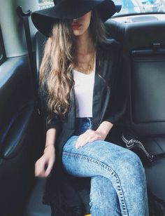 Wide Brimmed Hat, long Cardigan Sweater, white T-shirt and Skinny Jeans Outfit<3