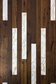 Marble and wood cladding made in Italy for walls and floors. Wall Cladding Interior, Wood Cladding, Wood Interior Design, Marble Wood, Wood Interiors, Wood Texture, Floor Design, House In The Woods, Home Furnishings