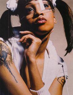 lisa left eye lopes of tlc Beautiful Black Women, Beautiful People, Lisa Nicole, Lisa Left Eye, Tush Magazine, Hip Hop And R&b, Victoria, White Aesthetic, 2000s Fashion