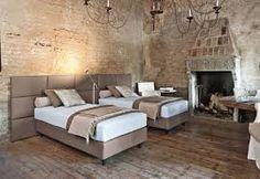 Risultati immagini per twils Conference Room, Shabby Chic, Bedroom, Table, Furniture, Design, Home Decor, Interiors, Trendy Tree