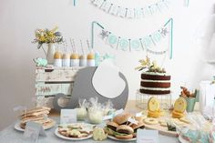 Fiesta para bebé: decoración y mesa dulce Minnie Mouse Rosa, Baby Shower, Time To Celebrate, Party Time, Birthday Cake, Mint, Table Decorations, Instagram Posts, Wedding