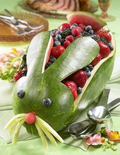 watermeloen konijn leuk voor de brunch met pasen