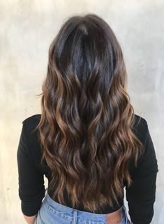 """""""Cold Brew"""" Hair Is Trending — & Here's Exactly What To Ask Your Colorist - Hair - Hair Color Black Hair With Brown Highlights, Brown Hair Colors, Color Highlights, Brown Highlighted Hair, Brunette Highlights, Black To Brown Ombre Hair, Hair Color Ideas For Black Hair, Dark Brown To Light Brown Ombre, Hair Colors For Fall"""