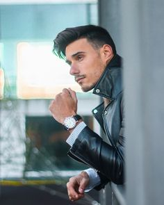 ime you enjoy wasting is not wasted!! Wearing my new @earnshaw1805 watch ⌚️ • —————————— . . . . . . . #fashion #style #stylish #love
