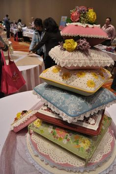WOW - This is an incredible (and edible) cake.  So much detail.