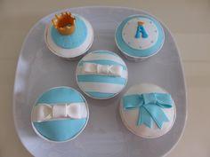 Cupcakes para batizado de menino com tema Rei Artur
