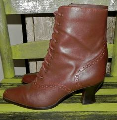 APOSTROPHE LEATHER VICTORIAN STEAMPUNK GRANNY BOOTS VINTAGE BRAZIL BROWN CIRCUS #Apostrophe #VICTORIAN
