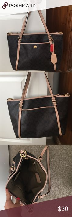 Coach bag! Make offer Good condition. Normal wear in the inside, very durable. 100% authentic Coach Bags Shoulder Bags