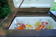 DIY Outdoor Bar with built in cooler Patio Cooler, Outdoor Cooler, Outdoor Patio Bar, Backyard Bar, Outdoor Ideas, Pallet Cooler, Wood Cooler, Backyard Games, Bar Table Diy