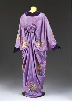 1909, France - Mantle by Jean-Philippe Worth - Hand-embroidered silk and hand-sewn velvet