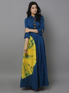 It's a blue cotton dress with big bandhani dye on the side. Kurta Designs, Blouse Designs, Indian Dresses, Indian Outfits, Cotton Dresses Online, Dress Online, Look Short, Girl Fashion, Fashion Outfits