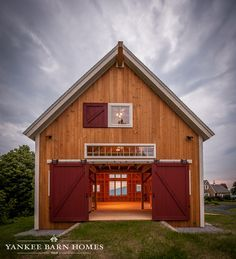 Small pole barn homes are you thinking about building one? We can help you find companies that build pole barn homes in your area. Garage House, Pole Barn Garage, Pole Barn Homes, Garage Gym, Pole Barns, Barn Homes Floor Plans, Barn House Plans, Barn Plans, House Floor Plans