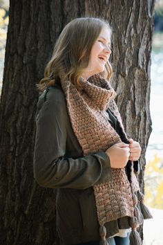 The River Cabin Scarf features rich, textured stitches inspired by long weekends enjoying nature by the river. Ever versatile, this scarf can be adapted to the length you desire by just including more or less repeats. Scarf Crochet, Free Crochet, Scarf Patterns, Crochet Patterns, Learn To Crochet, Double Crochet, Knitting Projects, Shawls, Crocheting