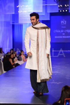 Ranbir Kapoor walks the ramp for 'Men for Mijwan' | PINKVILLA