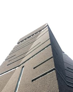 Tate Modern Extension : The Switch House - Herzog & de Meuron. Sexiest Brickwork iv seen..Hope to visit this place again
