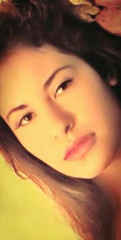 Selena Perez Selena Quintanilla Perez, Beautiful Person, Beautiful Soul, Selena And Chris, Selena Selena, Selena Pictures, Selena Pics, Divas, Jackson