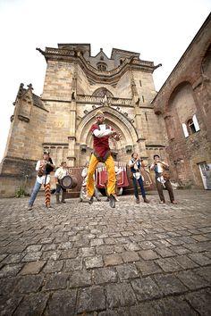 Vous ne devez pas manquer les Médiévales de Tonnerre, qui se déroulent du 12 au 14 septembre prochain, et qui, comme tous les ans, promettent d'animer la ville et l'Hôtel Dieu de très bons moments.
